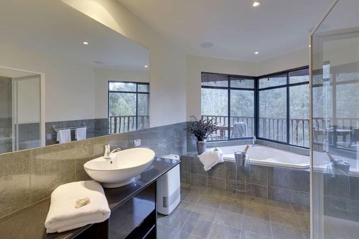 Luxury Spa Accommodation Tasmania