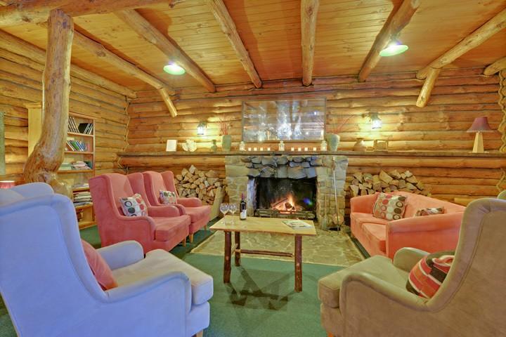 Wilderness retreat lodge